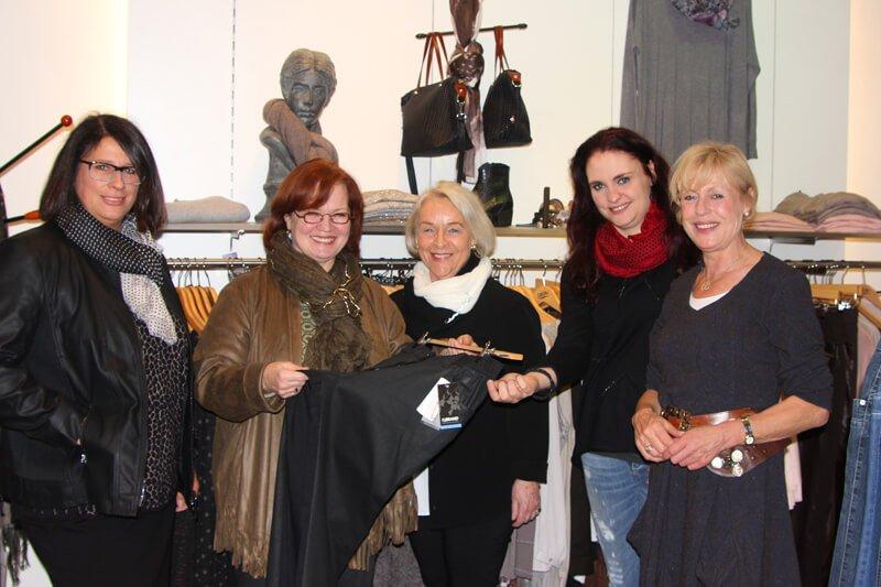 Unser freundliches Modeteam: von links
